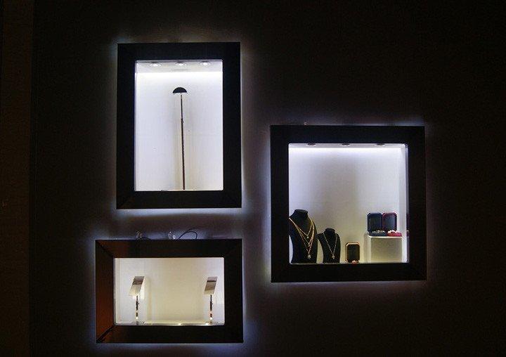 jewelry counter lighting demo